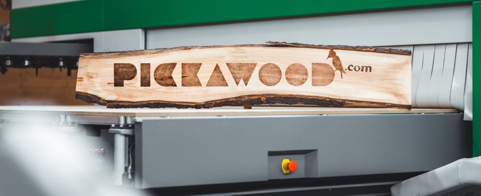 Pickawood logo produtktion 980x400